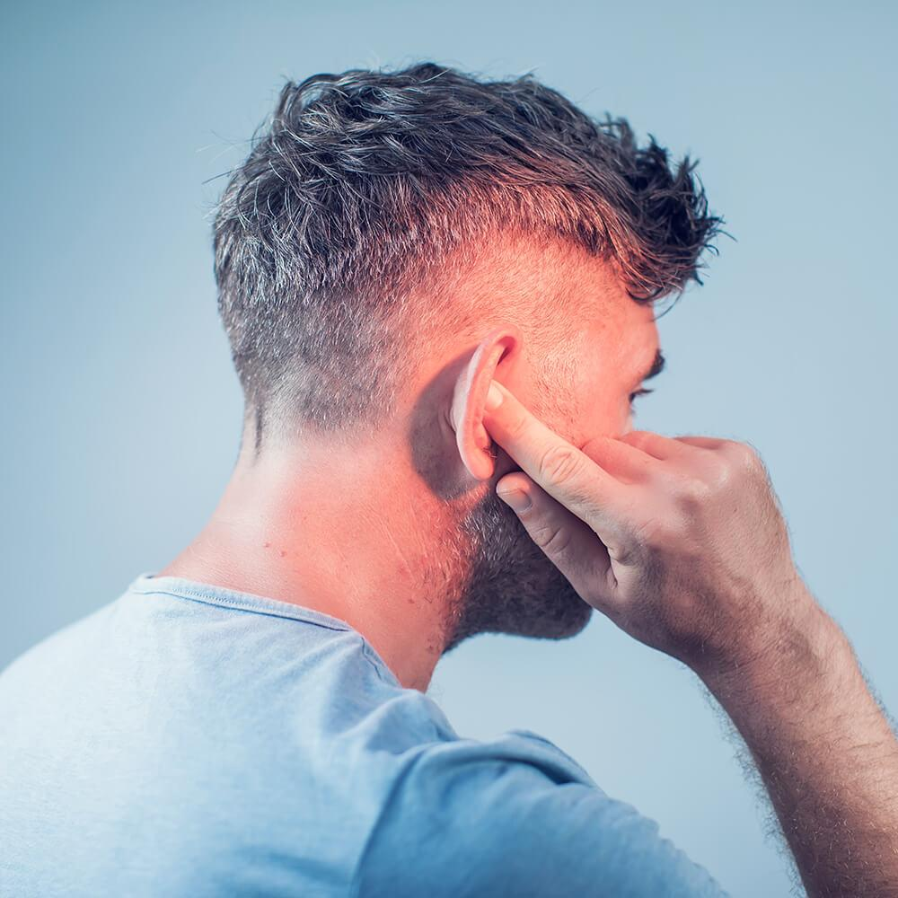 man with tinnitus